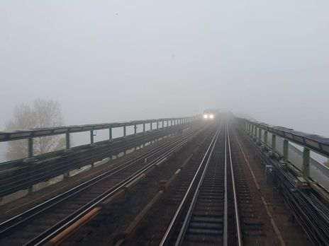 В киевском метро полностью пропало освещение, в интернете появилось видео