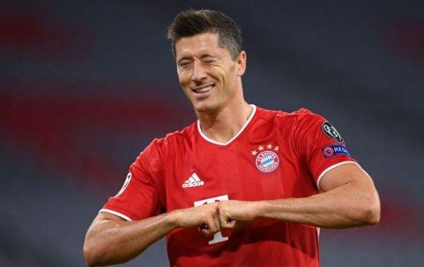 Левандовски обошел Бензема в списке лучших бомбардиров в истории Лиги чемпионов