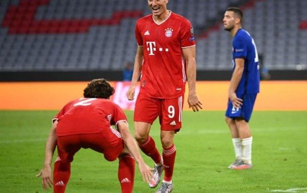 Левандовски – лучший игрок недели в Лиге чемпионов