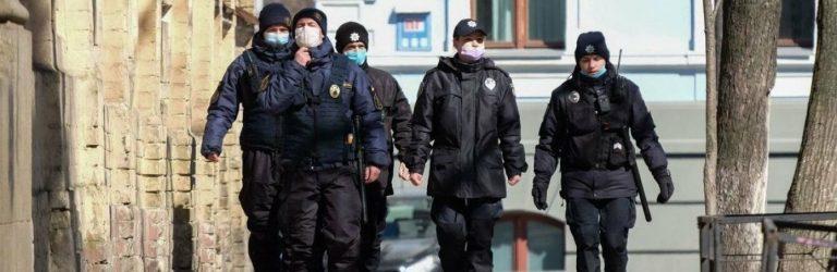 На вихідних в Україні діятимуть нові санкції за порушення карантину
