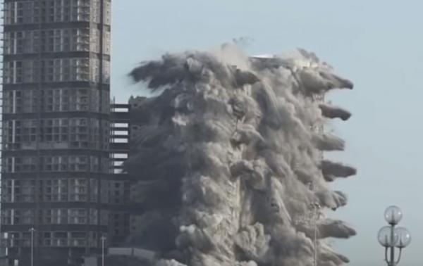 В ОАЭ взорвали 4 небоскреба сразу: взрыв попал в Книгу рекордов Гиннесса (ВИДЕО)