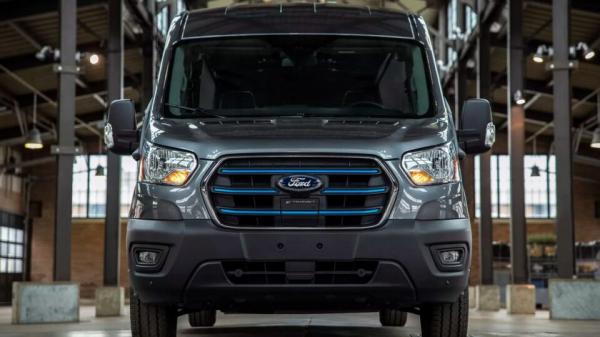 Ford представил электрическую версию фургона Transit: названа цена