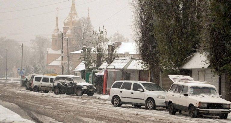 Ямполь засыпало снегом (фото)
