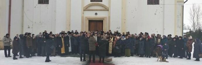 Поп тікав під гімн: громада перейшла в ПЦУ без священика – депутат