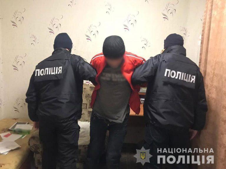 Збоченця, що намагався зґвалтувати маленьку дівчинку, затримали у Чернігові