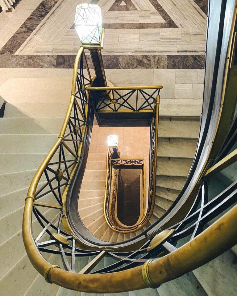 Який інтер'єр у оновленій будівлі колишнього Празького кредитного банку у Львові, – ФОТО