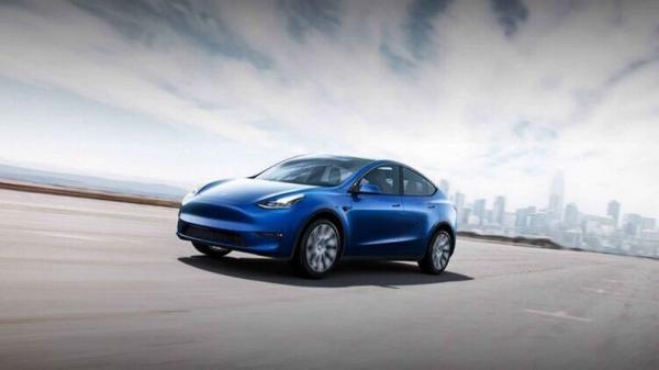 Tesla вновь отзывает тысячи Model X из-за неисправности
