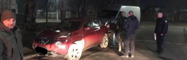 В Одесской области задержали двоих мужчин, которые пытались поджечь автомобиль, – ФОТО