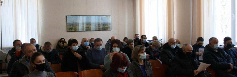 """Устинівський скандал: депутати захистили землі від """"Агрокомплексу"""""""