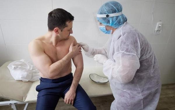 Зеленского вакцинировали препаратом Covishield