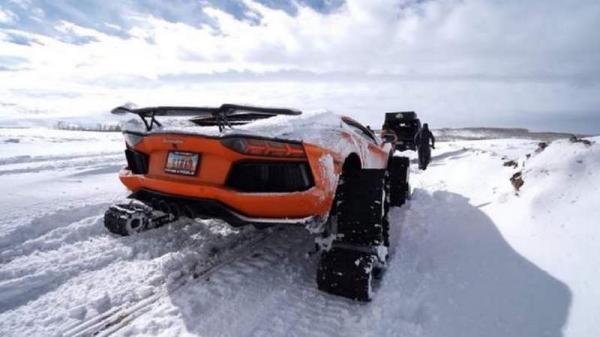 В США Lamborghini поставили на гусеницы