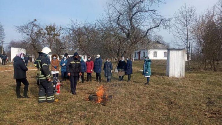 Літинський район: рятувальники провели навчання на об'єкті з нічним перебуванням людей – | Новини Вінниці та області