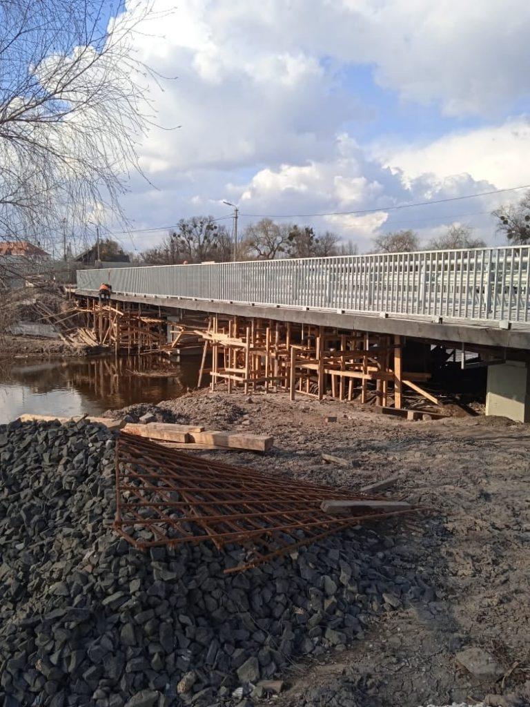 У Дубні знову розпочали ремонт мосту: обіцяють доробити в цьому році