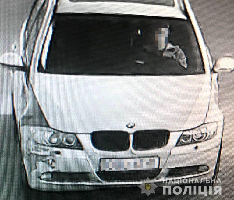 У Рівному двоє «ділків» продали 19-річній місцевій жительці авто, яке згодом у неї викрали