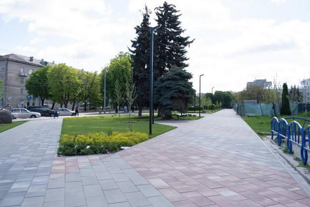 Реконструкція скверу «Юність» у Черкасах, Бондаренко закликав пришвидшити роботи