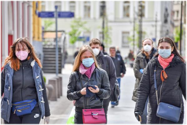 В Польше разрешили ходить без масок на улице