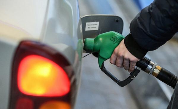 Украинцам рассказали, чего ждать от цен на бензин