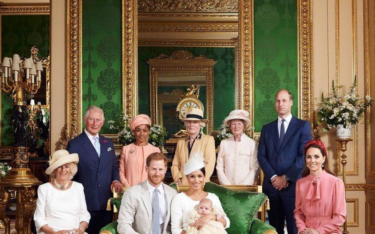 Все в сборе: Кейт Миддлтон и принц Уильям поздравили принца Арчи с днем рождения         И показали архивное фото