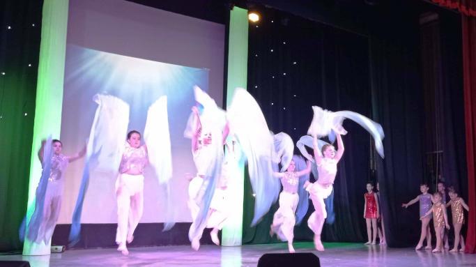 «Нові пригоди Аріель» юні танцівники представили у Черкасах хореографічну виставу